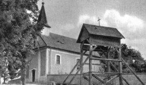 A templom a régi harangtoronnyal